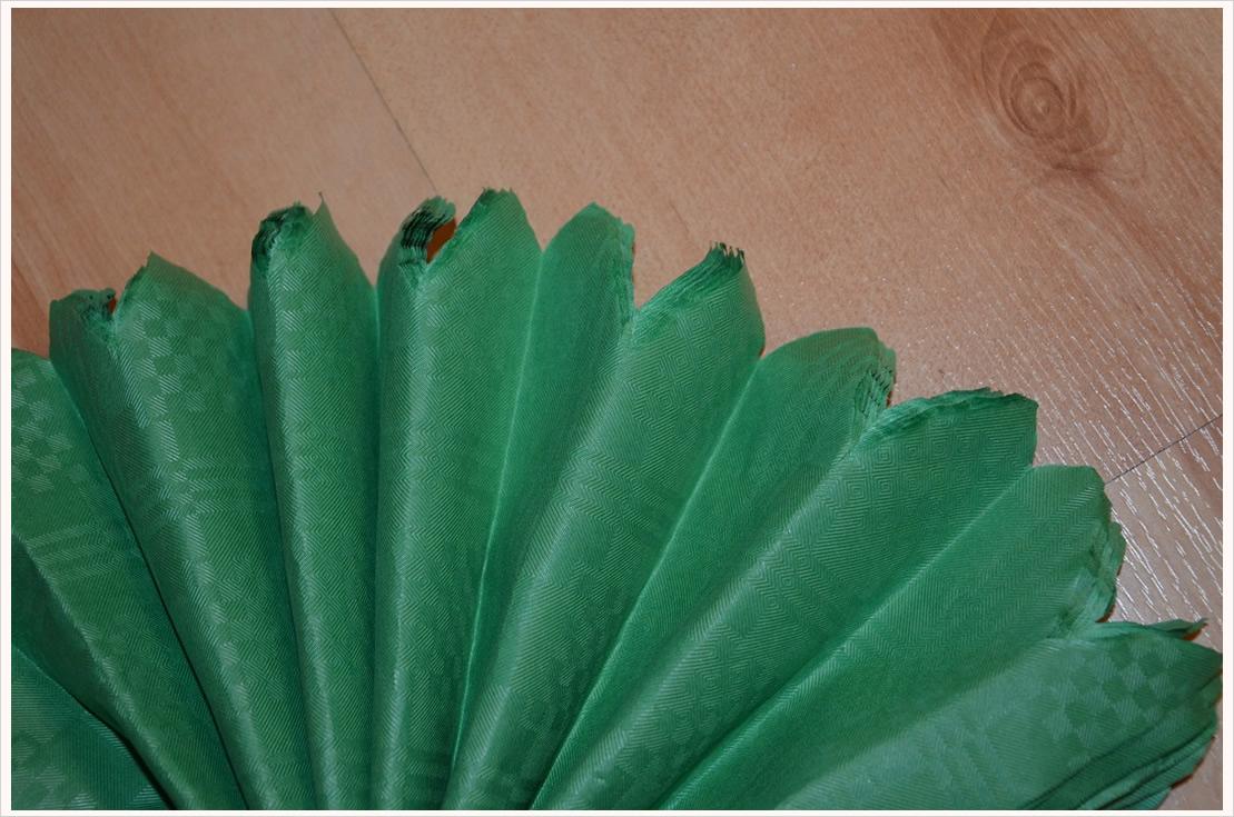 Deko-DIY: Papier-Pompons