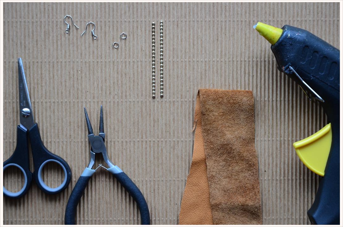 Fashion-DIY: Feder-Ohrhänger aus Leder