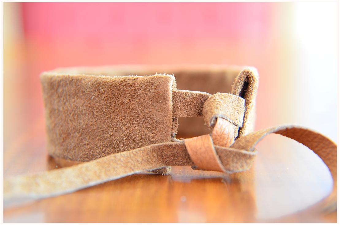 Basteln mit Leder Teil 5: Lederarmband mit Stickmuster