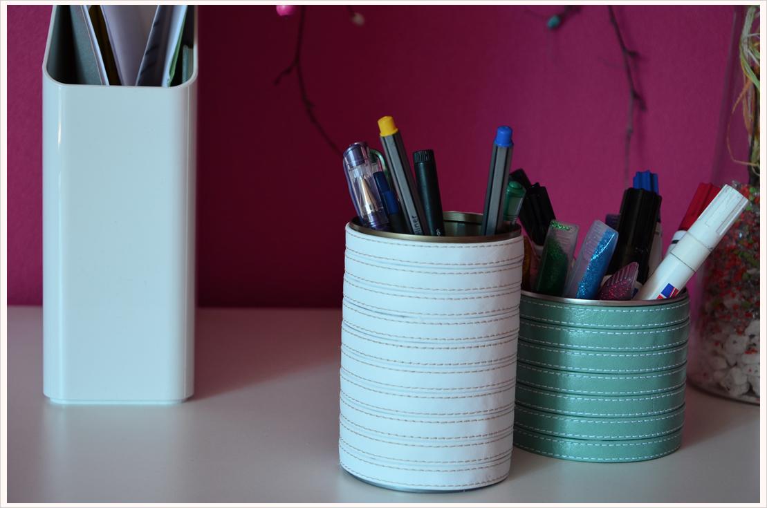 Basteln mit Leder Teil 2: Etwas Schönes für den Schreibtisch  – Stiftehalter-Set
