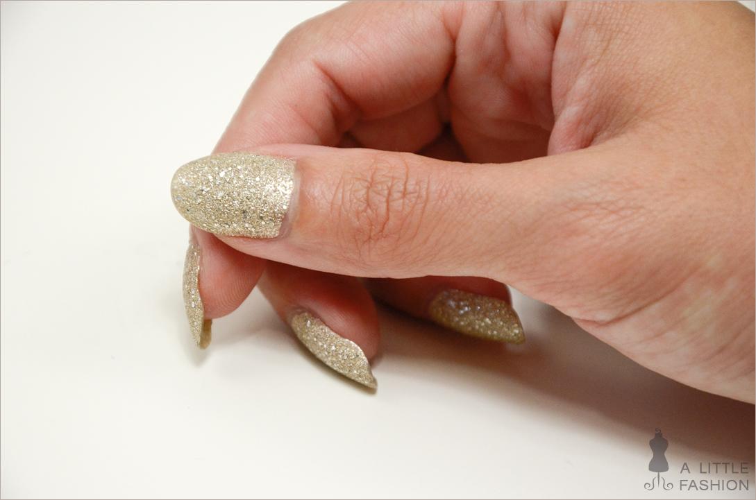 Glamour für die Nägel: P2 Sand Style Polish