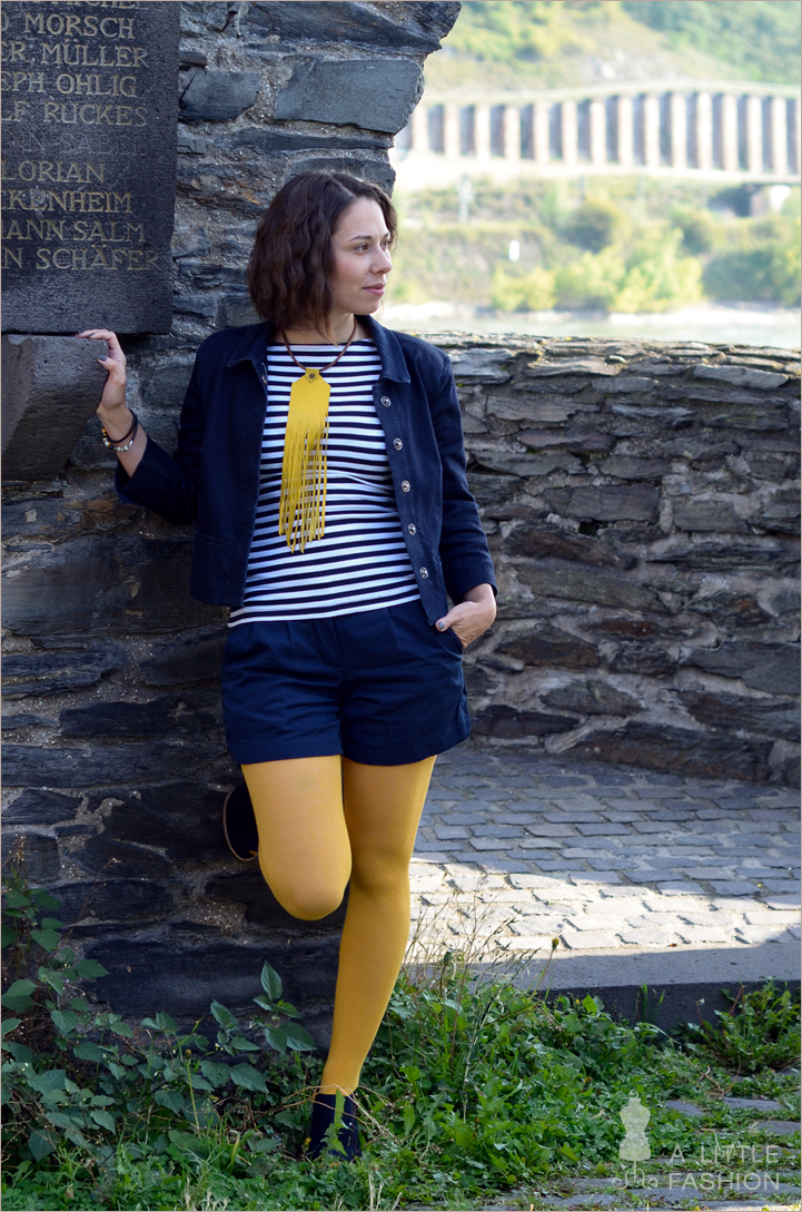 outfit_yellow-submarine-gelb-blau-streifen-fransen2