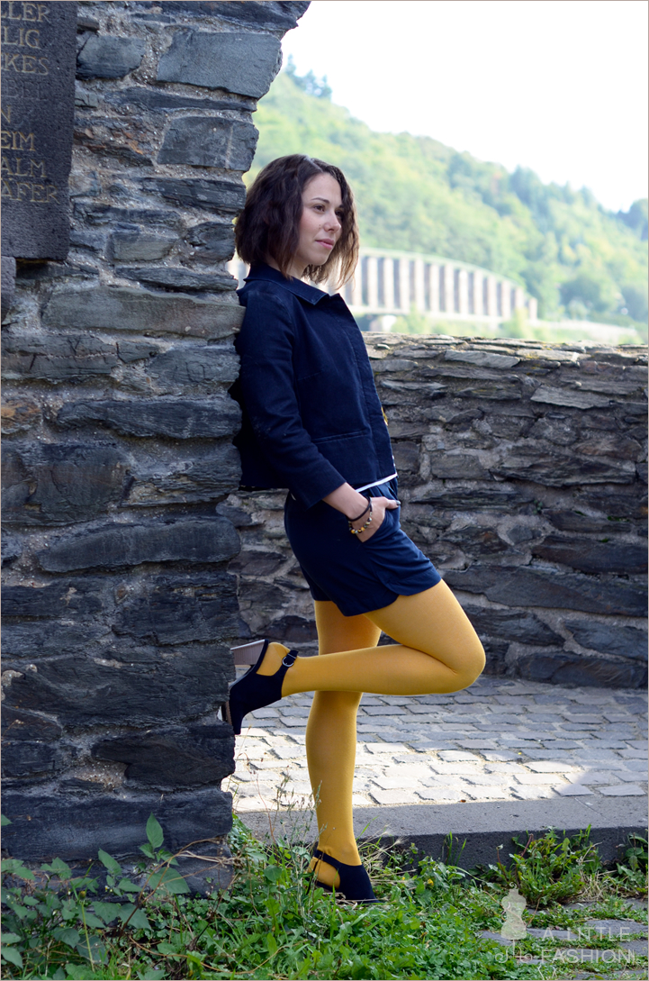 Outfit: Yellow Submarine