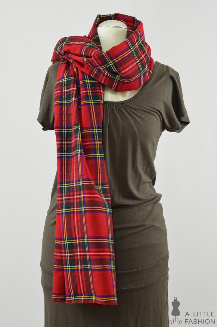 DIY: XXL-Schal aus Schottenrock