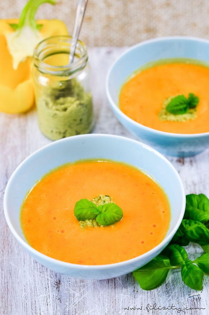 einfaches rezept f r leckere paprika cremesuppe mit selbst gemachtem olivenpesto diese suppe. Black Bedroom Furniture Sets. Home Design Ideas