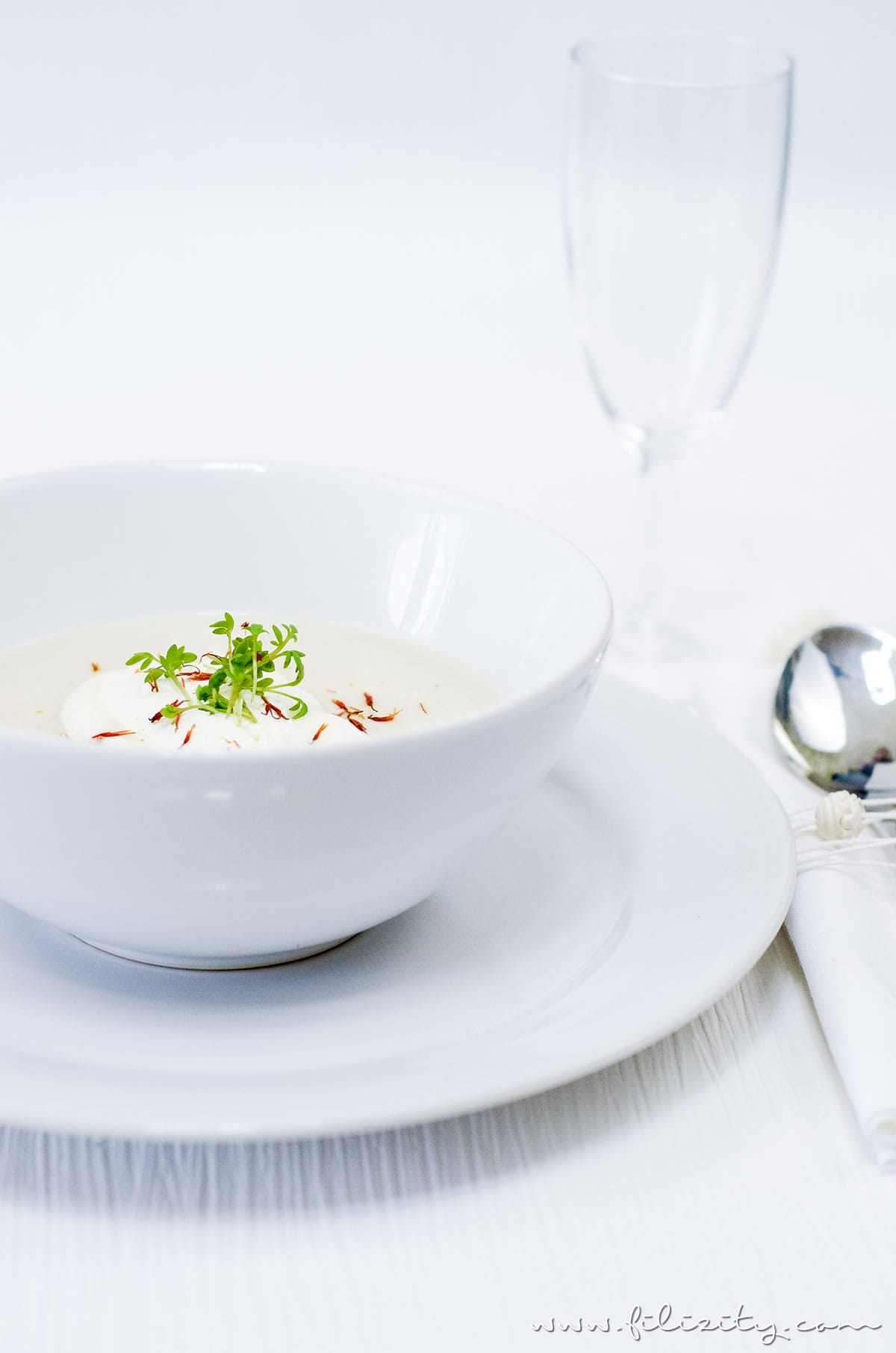 Rezept für orientalische Schwarzwurzel-Cremesuppe | Perfekt für Diner en Blanc | Filizity.com | Food-Blog aus dem Rheinland #vegetarisch #suppe #spargel