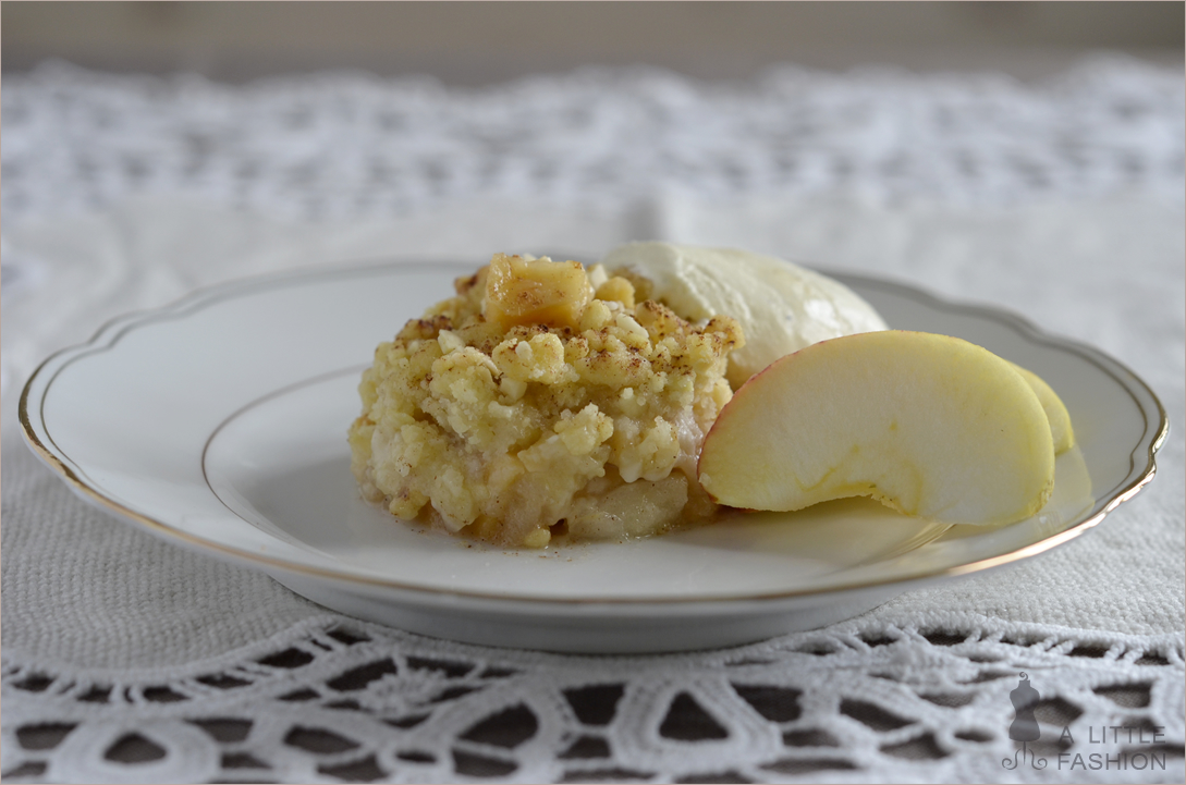 rezept dessert nachspeise apfel quitten crumble2. Black Bedroom Furniture Sets. Home Design Ideas