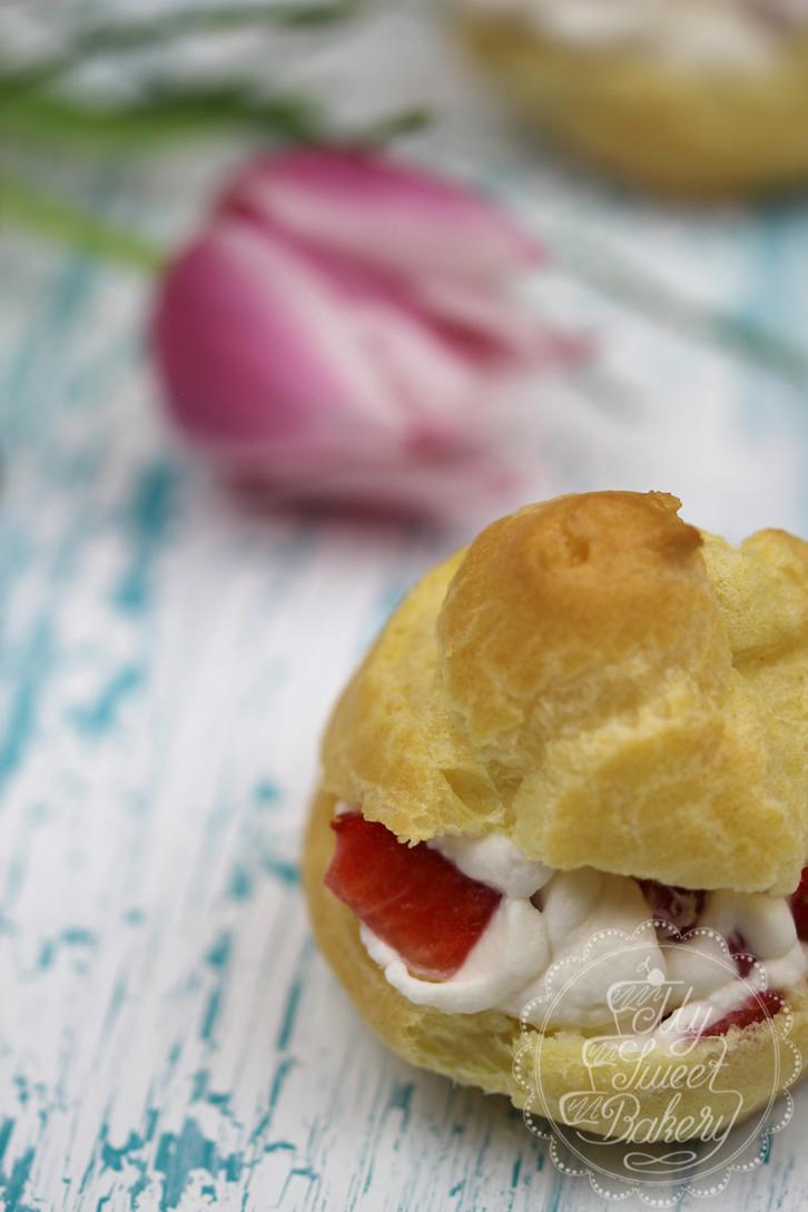 Windbeutel mit Erdbeeren oder Mango