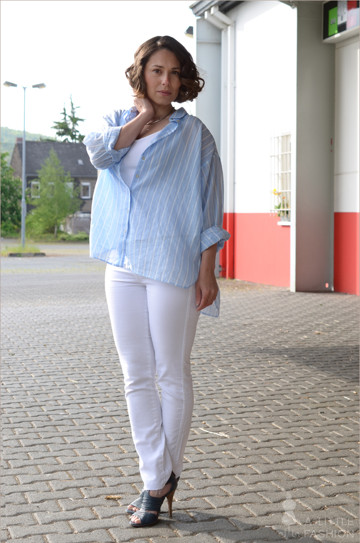 outfit_fashion_style_blaue-streifen-bluse_weisse-hose4