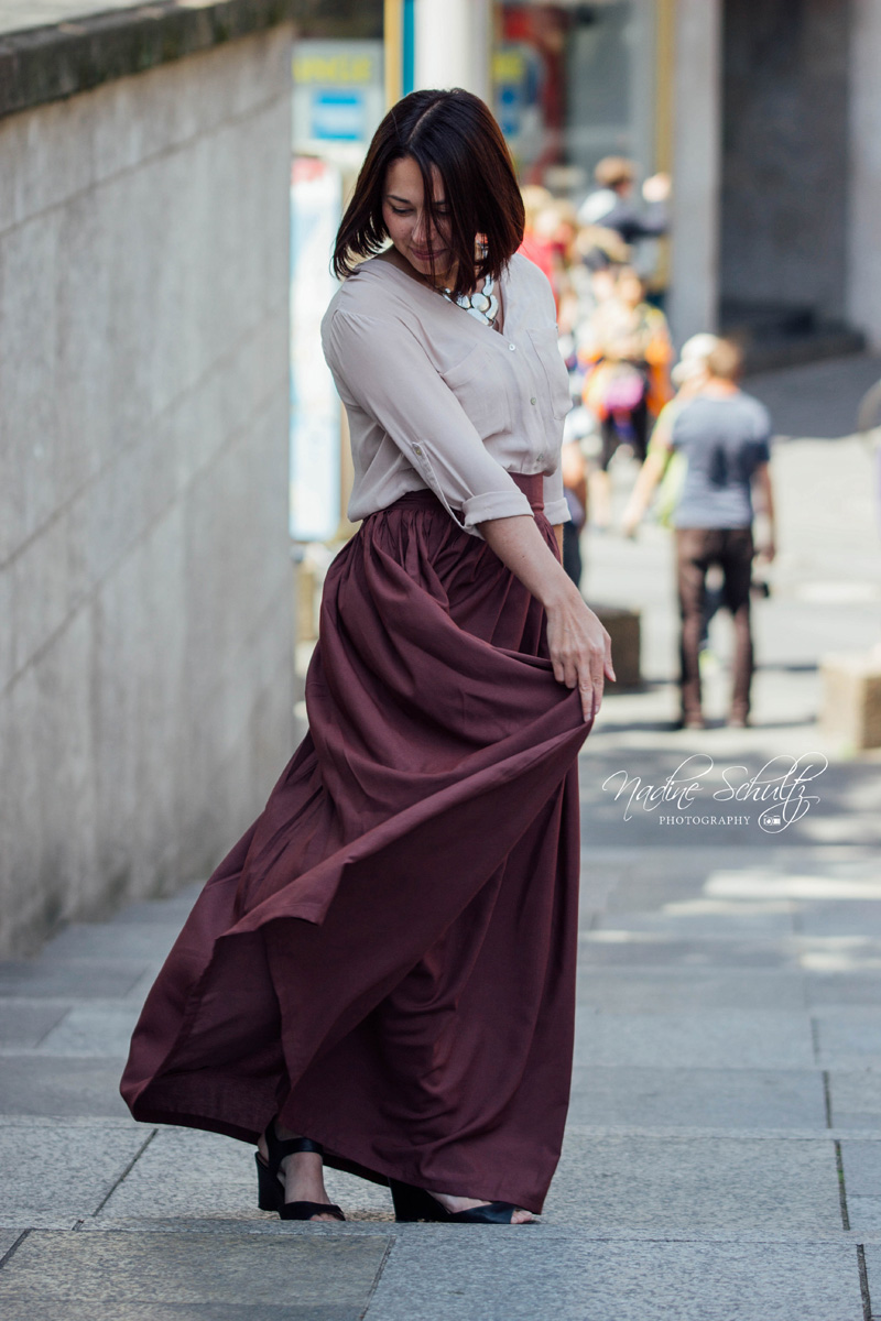 fashion_outfit_maxirock_beere_bluse_blogger-treffen_koeln_nadine-schultz-photography3