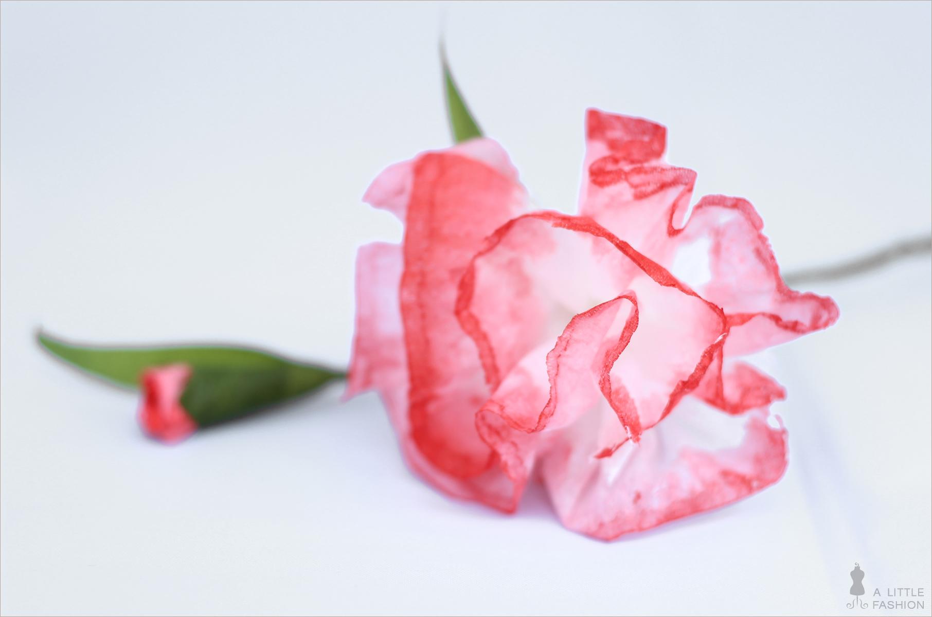 Zarte Sommerblumen aus Taschentüchern