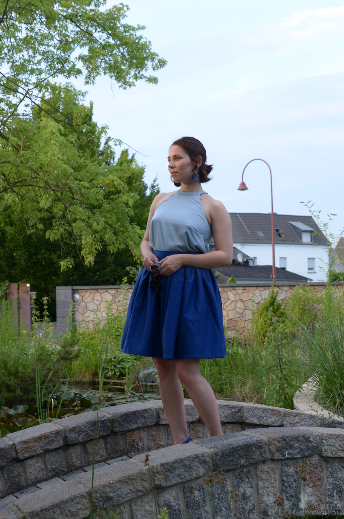 Outfit: Blue ribbon...