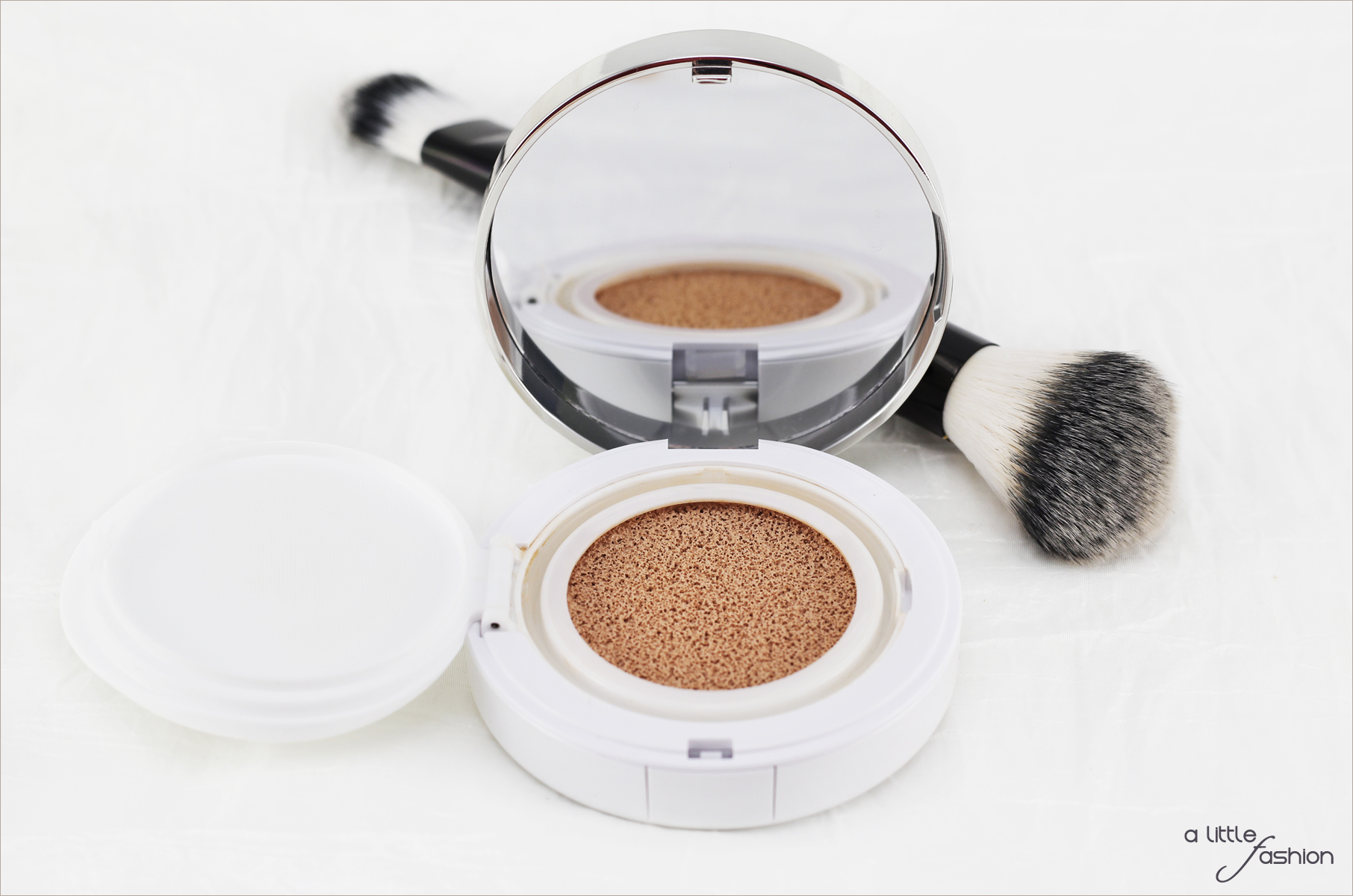 Lancôme Miracle Cushion Foundation  |  A Little Fashion - Das Lifestyle Blogazine  |  https://www.filizity.com/beauty/lancome-miracle-cushion-foundation