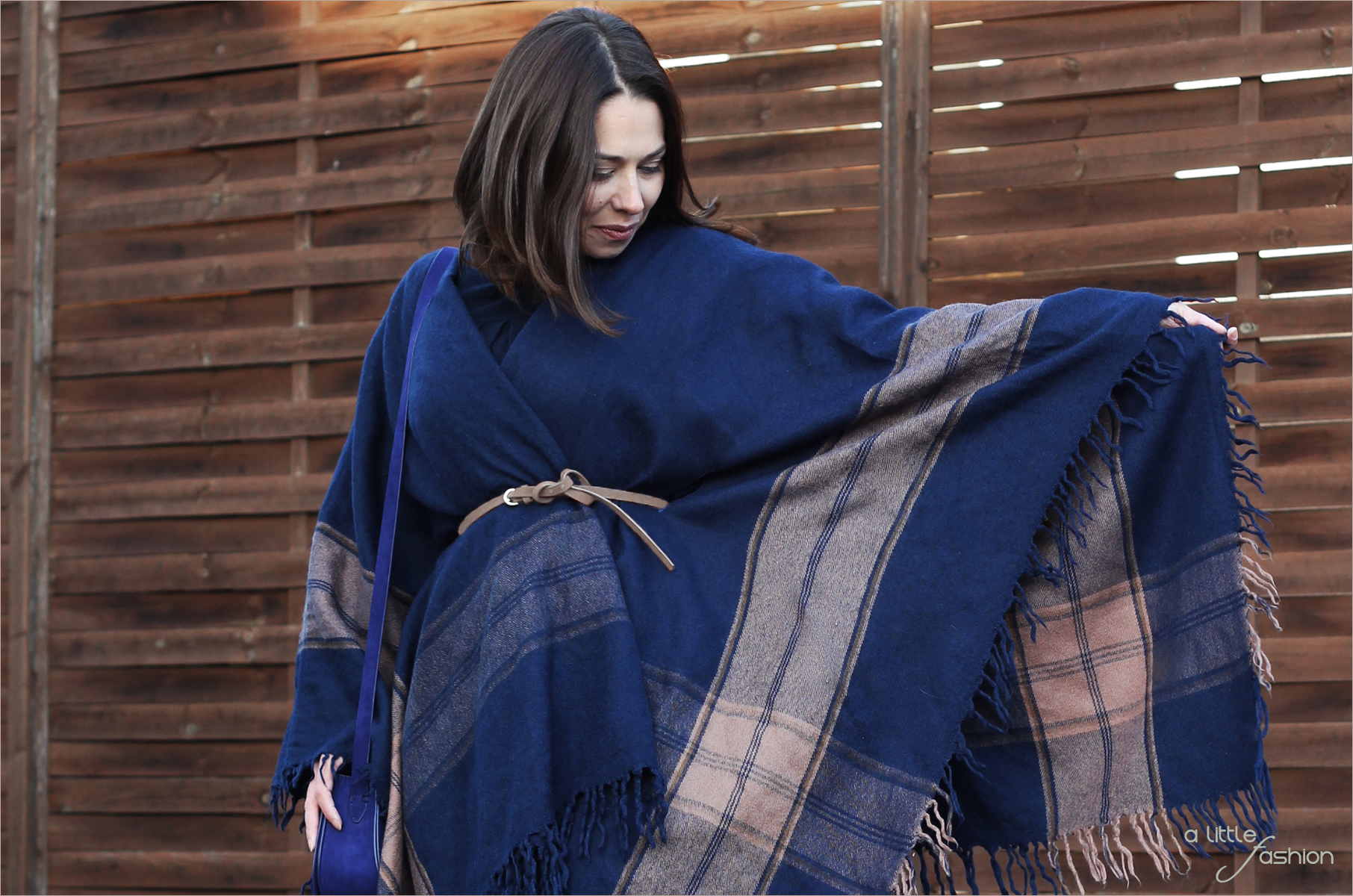 H/W2015: Poncho  |  A Little Fashion  |  https://www.filizity.com/fashion/hw2015-cape-poncho