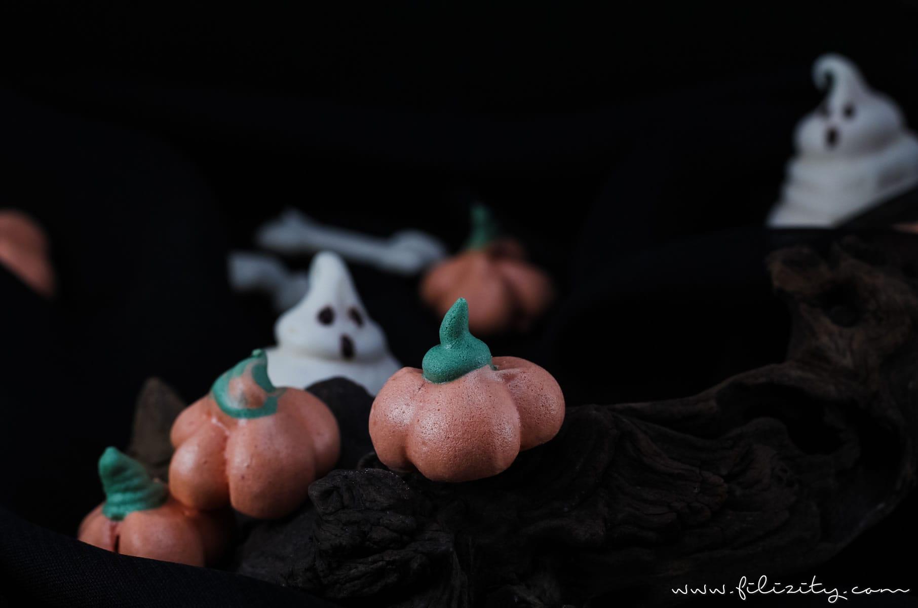 Halloween-Rezept: Baiser Geister, Kürbisse und Knochen - BOOH! | Filizity.com | Food-Blog aus Koblenz #halloween