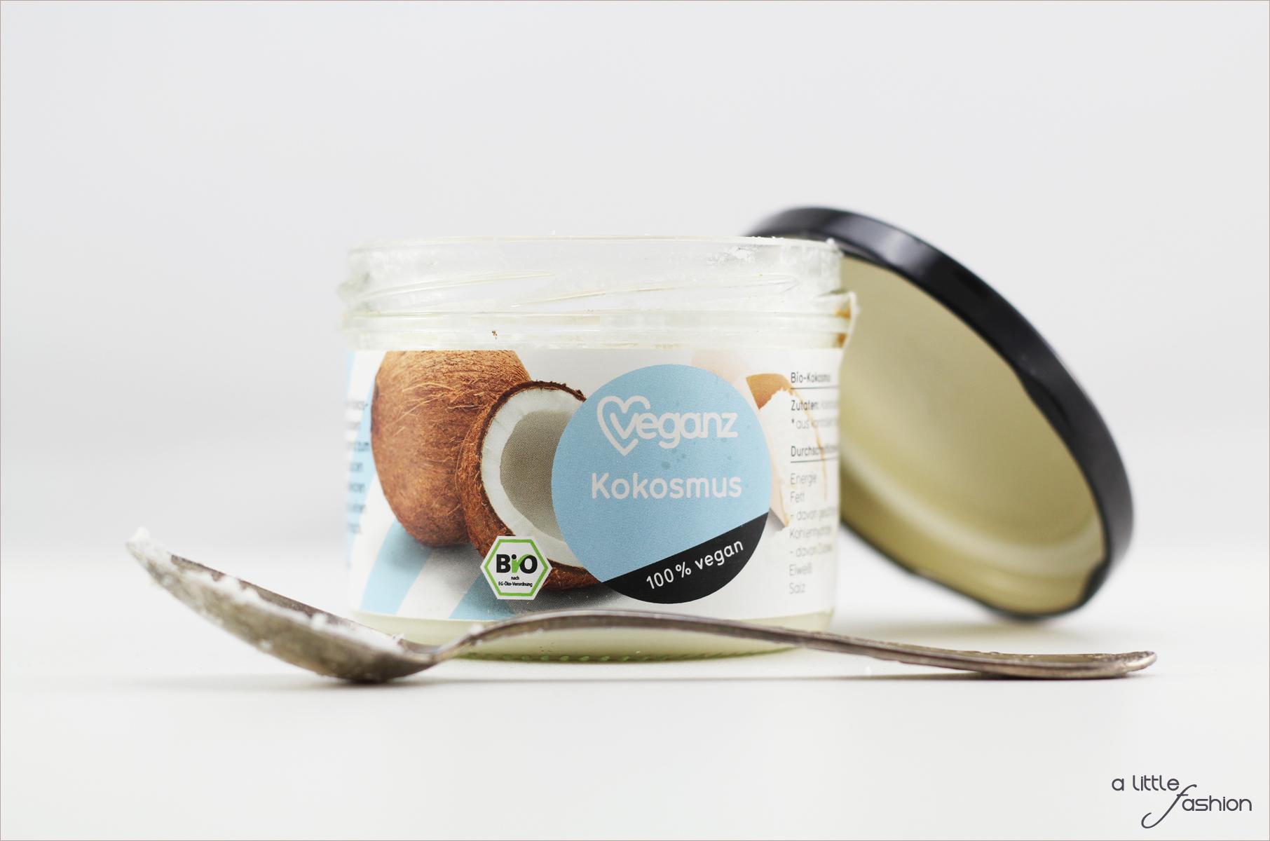 Dattel-Kokos-Häppchen | A Little Fashion | https://www.filizity.com/rezepte/dattel-kokos-haeppchen