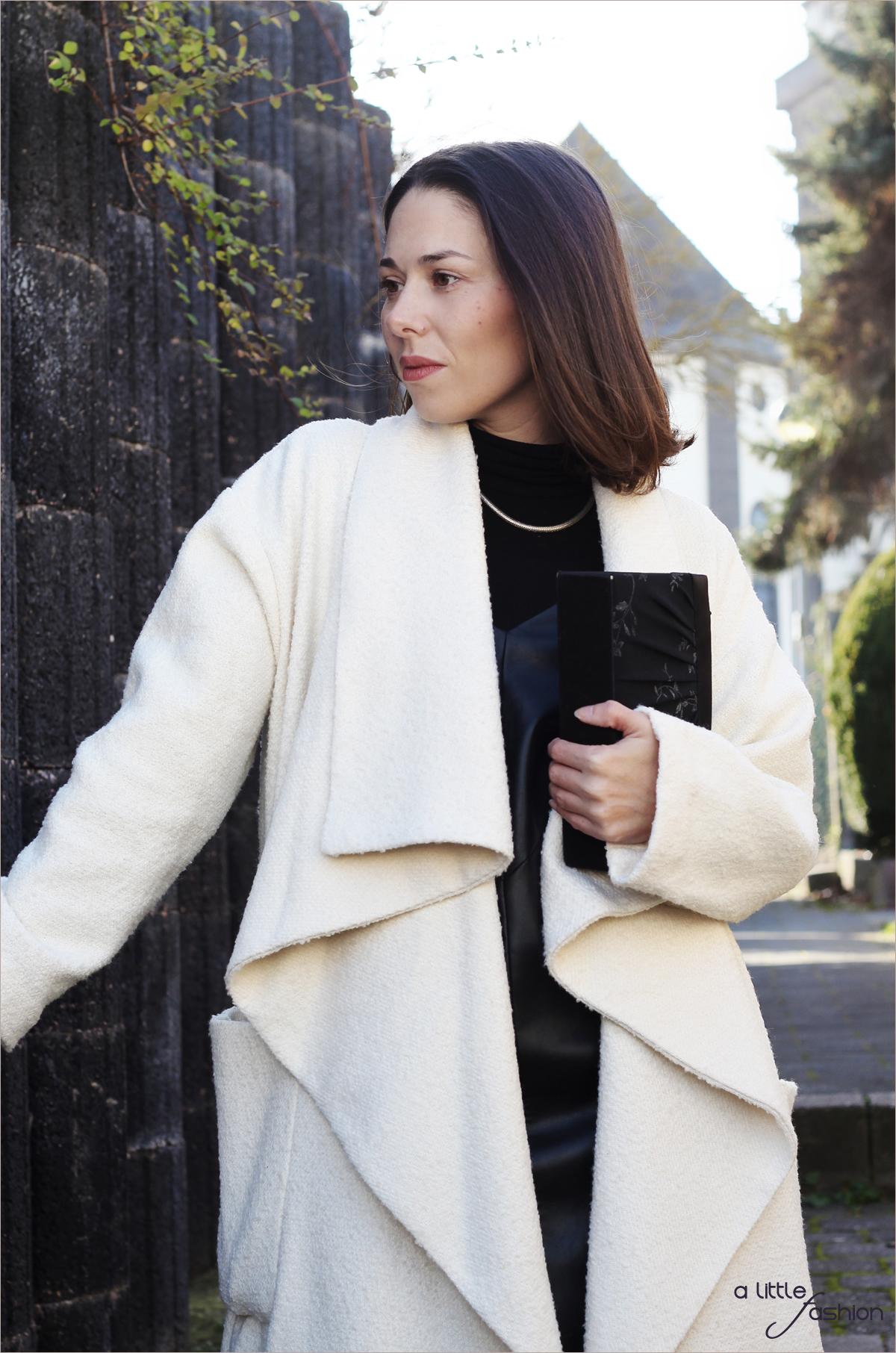 fashion_outfit_look_weihnacht_silvester_schwarz-weiss_leder_kleid_mantel2