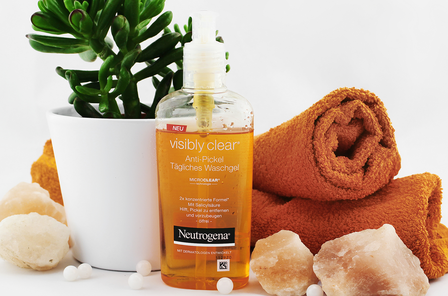 Neutrogena Visibly Clear Waschgel | A Little Fashion | https://www.filizity.com/beauty/neutrogena-visibly-clear-waschgel