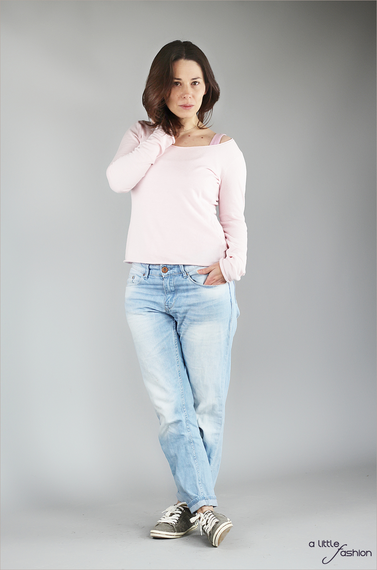 fashion_outfit_rose-quartz-serenity_jeans-pullover-top_cozy2