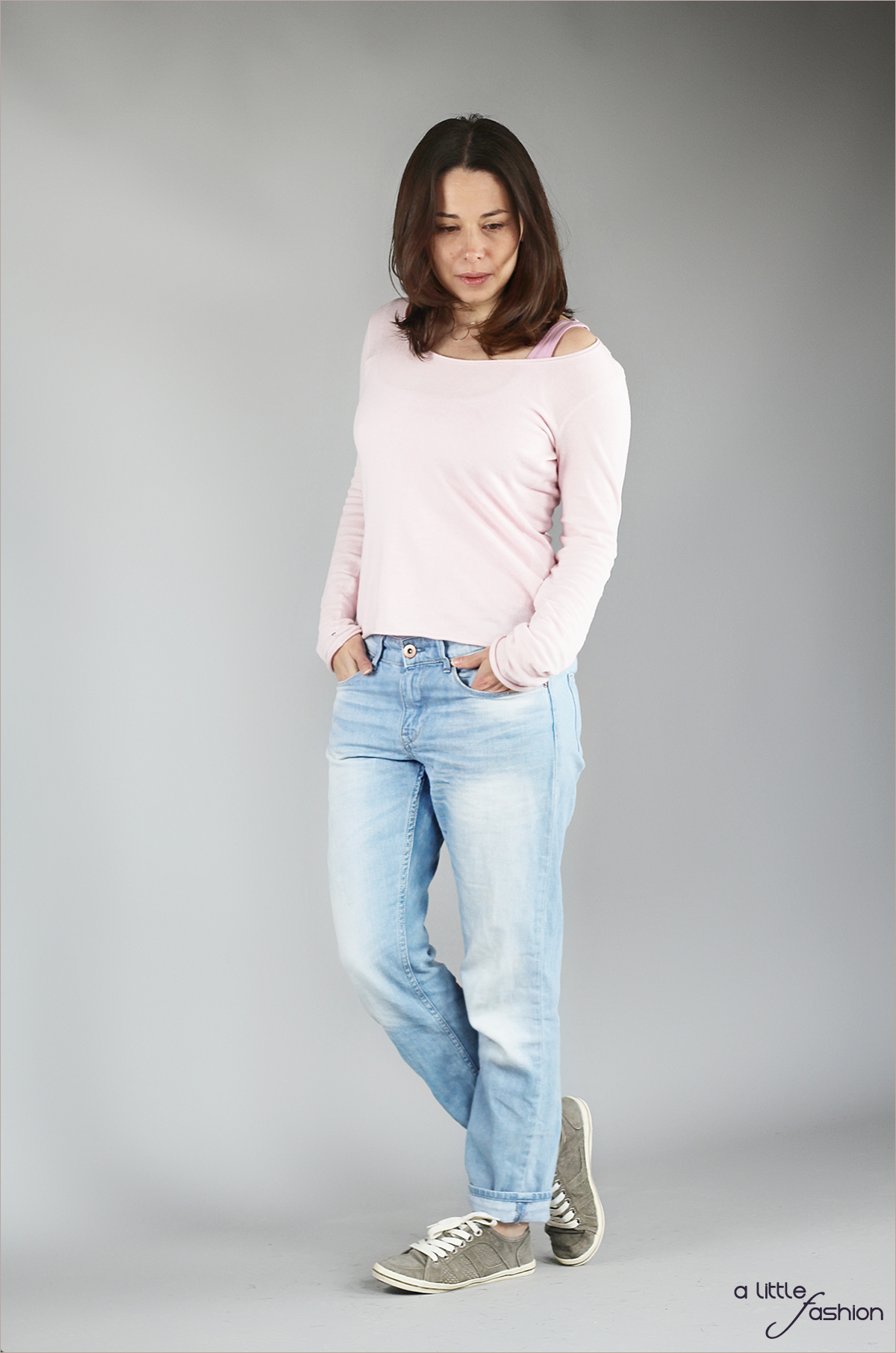 fashion_outfit_rose-quartz-serenity_jeans-pullover-top_cozy4