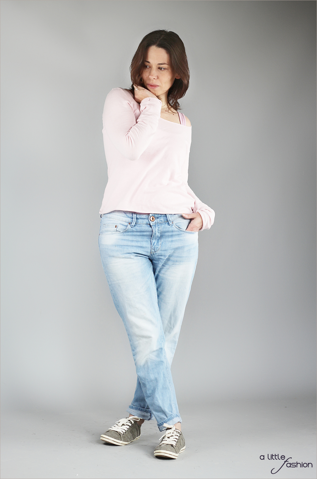 fashion_outfit_rose-quartz-serenity_jeans-pullover-top_cozy6