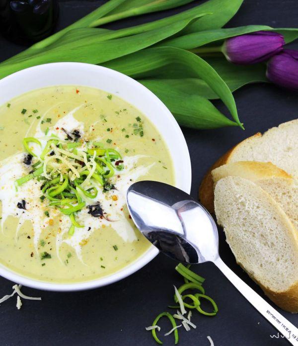 Kartoffel-Lauch-Suppe mit Käse