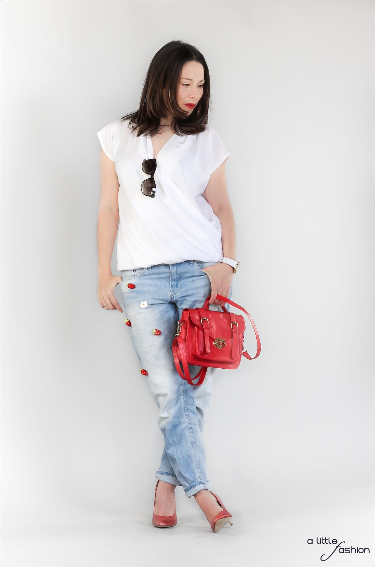 Patched Boyfriend Jeans mit Pumps und Bluse | A Little Fashion | https://www.filizity.com/fashion/patched-boyfriend-jeans-mit-pumps-und-bluse