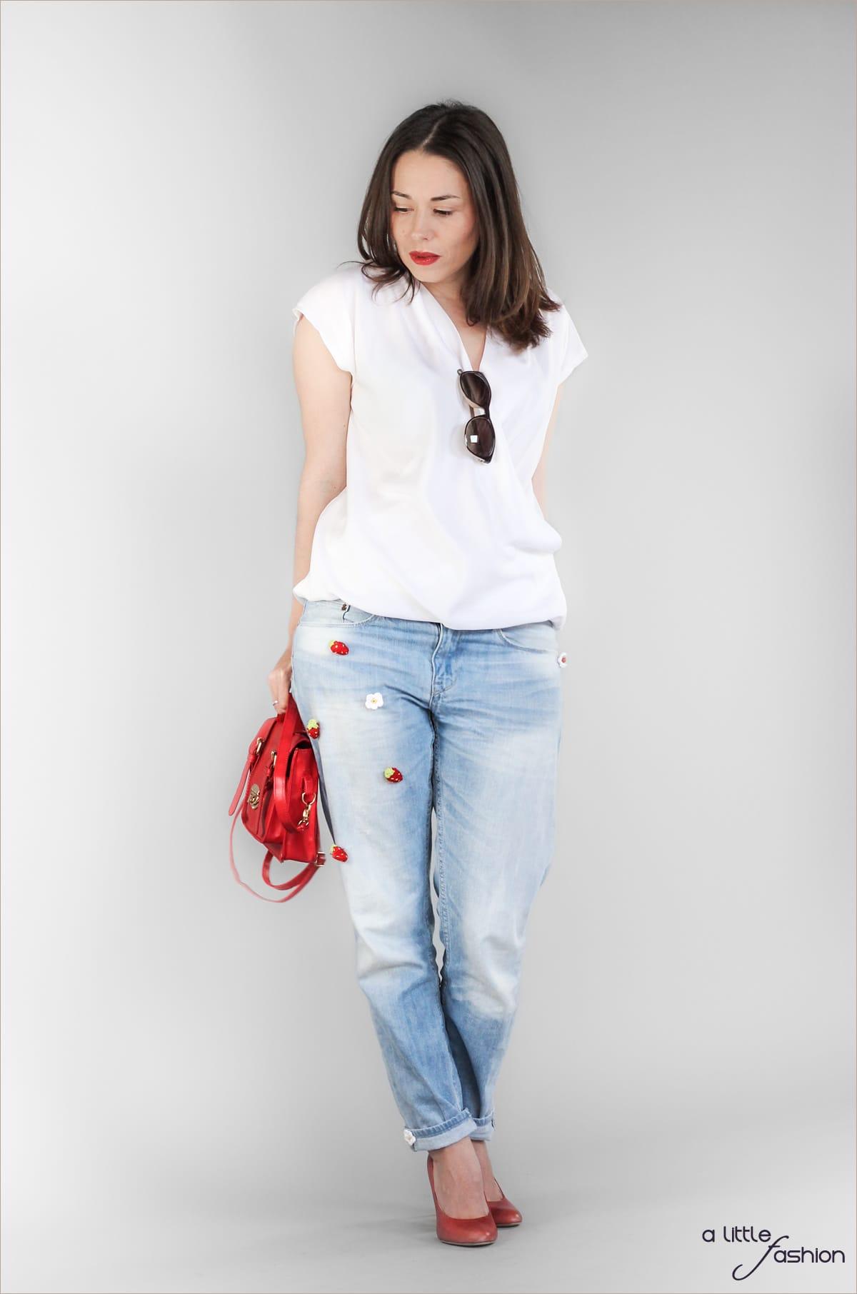 fashion_outfit_patched-boyfriend-jeans_hose_bluse_lizali_erdbeer_sonnenbrille7-min