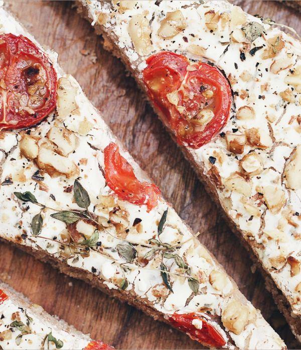 Dinkel-Vollkorn-Focaccia mit Frischkäse