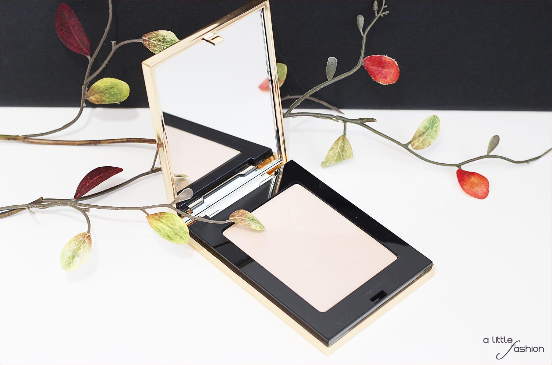 lifestyle_praktische-helfer-handtasche_unterwegs_beauty_smartphone8-min