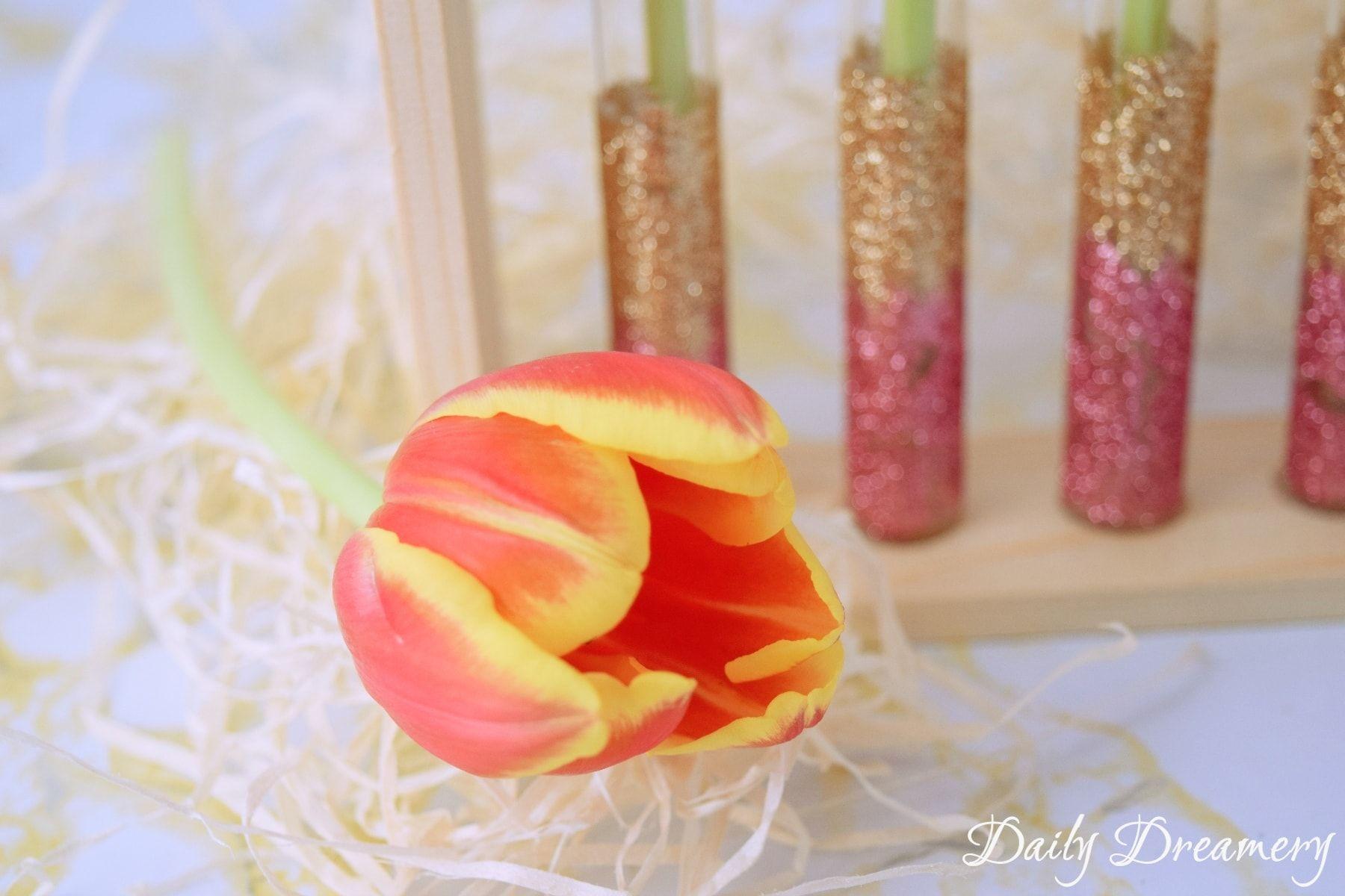Glittervase – Last Minute-DIY für den Muttertag
