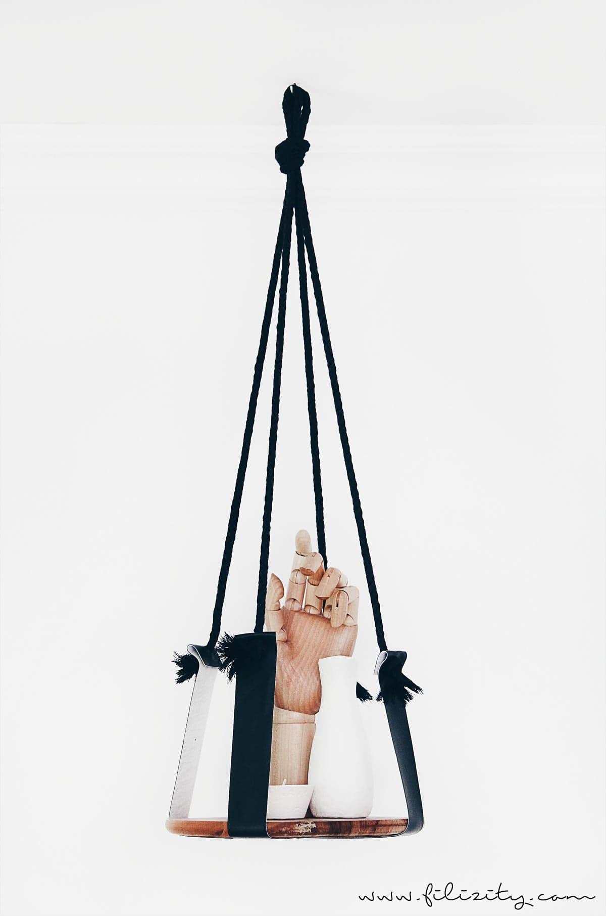 Wohntrend: Hänge-Deko | Holzregal mit Seil und Leder