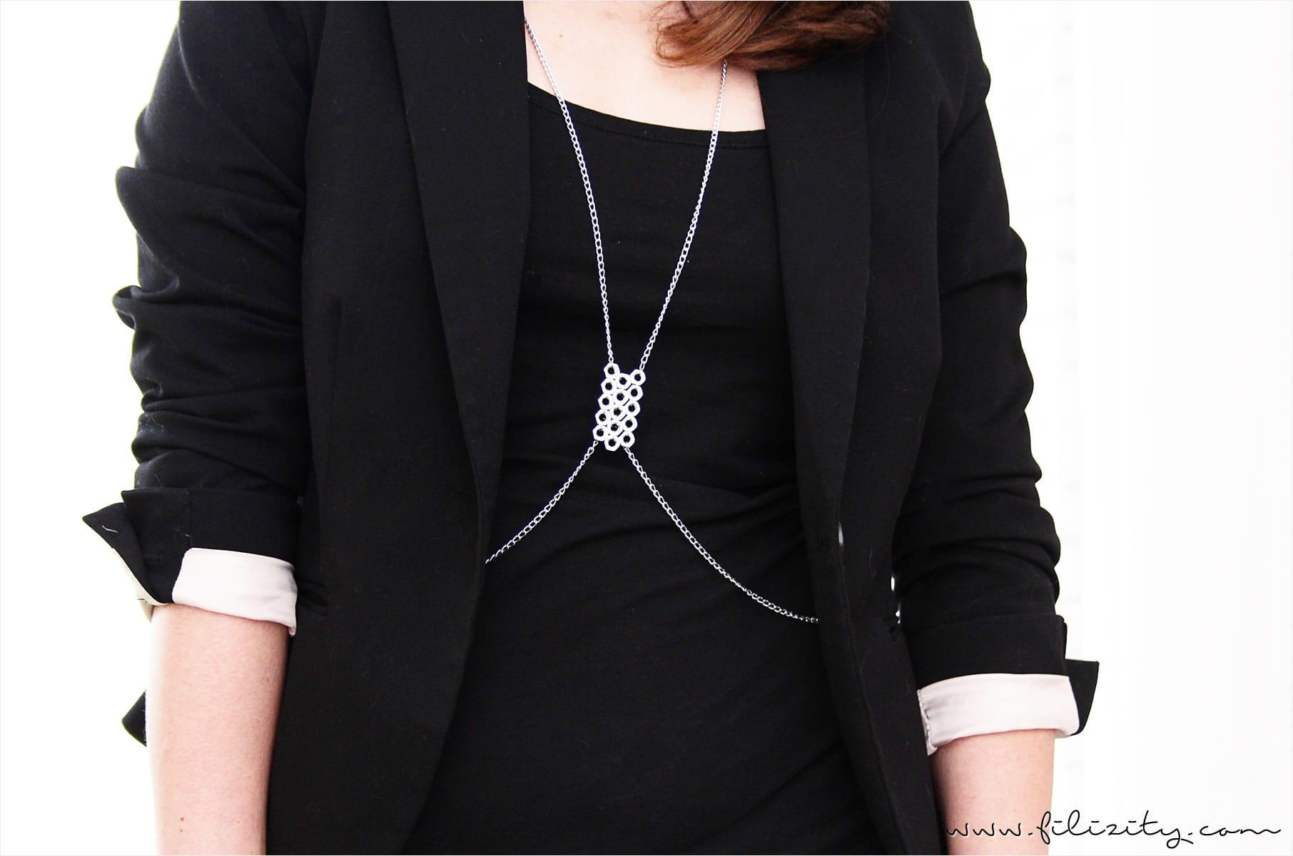 DIY Körperkette / Harness mit Schraubenmuttern