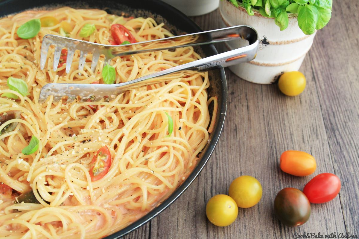 C&B with Andrea - Spaghetti in Tomaten-Sahne-Sauce Rezept - www.candbwithandrea.com1