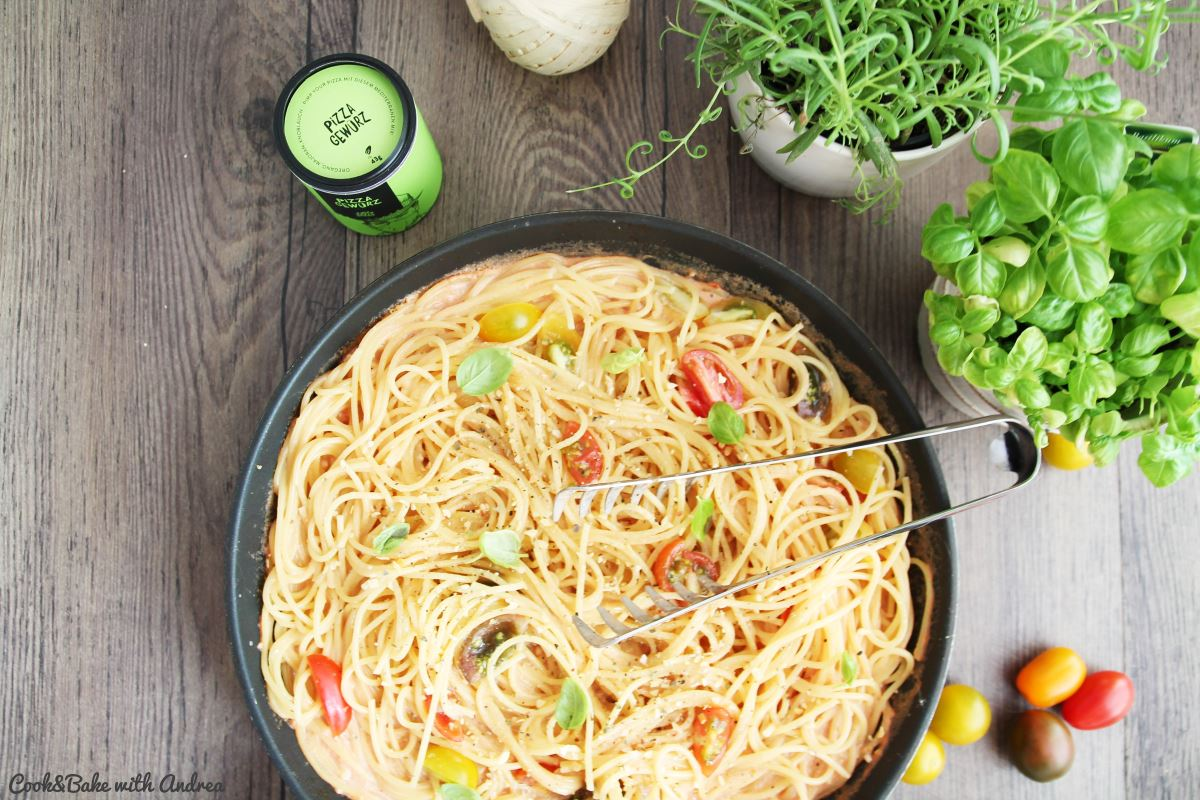 C&B with Andrea - Spaghetti in Tomaten-Sahne-Sauce Rezept - www.candbwithandrea.com5