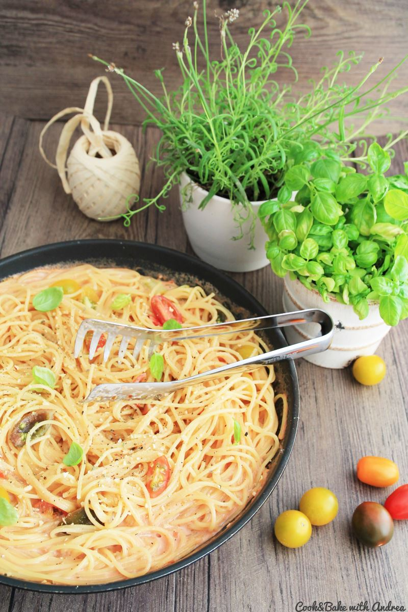 C&B with Andrea - Spaghetti in Tomaten-Sahne-Sauce Rezept - www.candbwithandrea.com