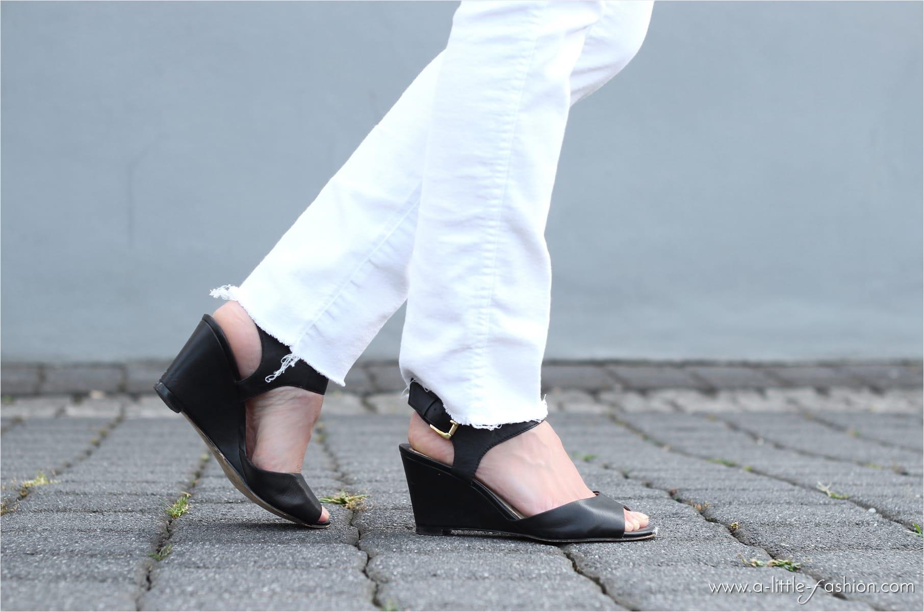 Dezente Looks mit Vintage-Teilen wie einer bestickten Tasche aufpeppen | A Little Fashion