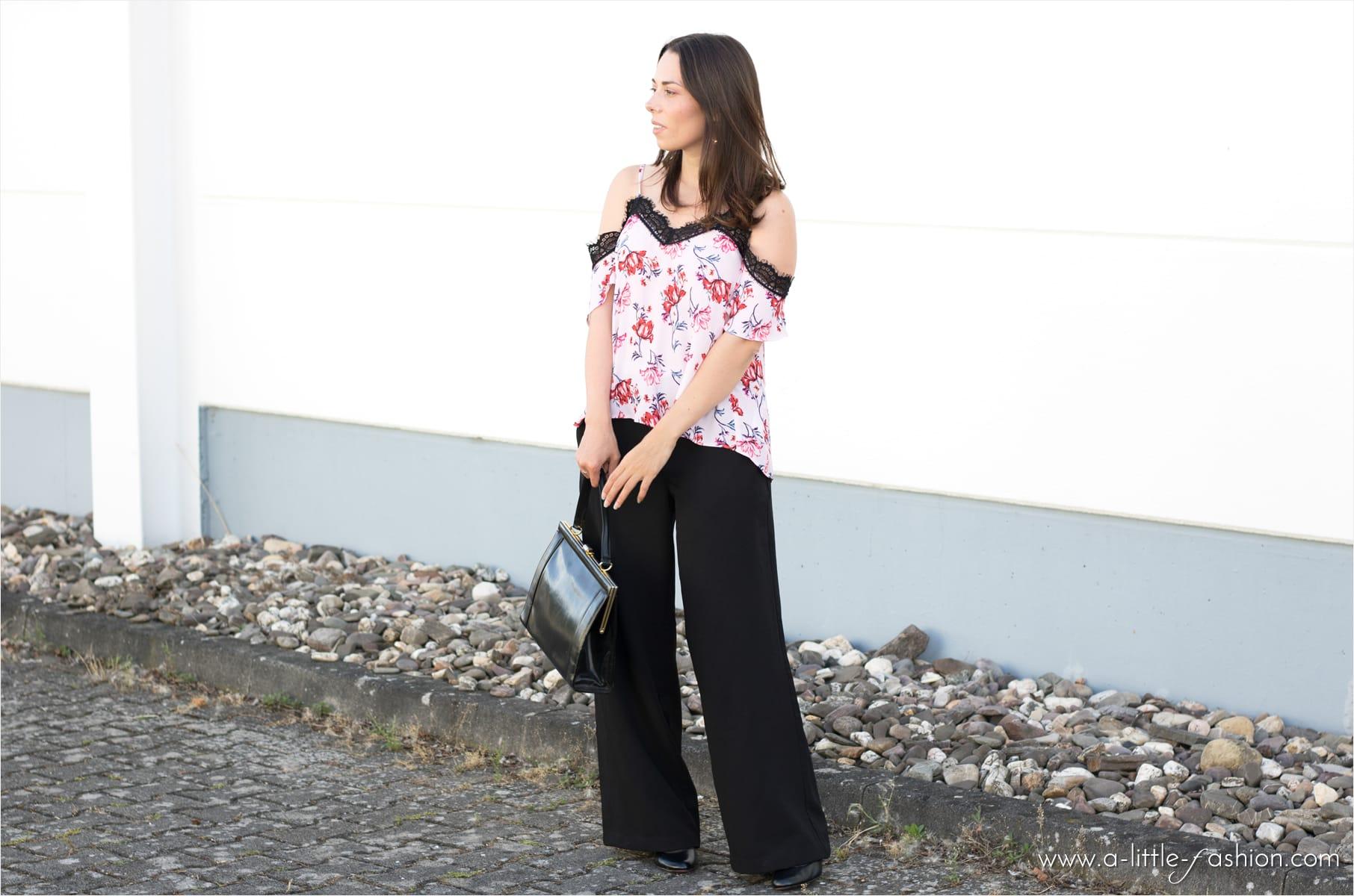sommer-outfit_offshoulder-top_palazzo-hose_lingerie_spitze_blumen5-min