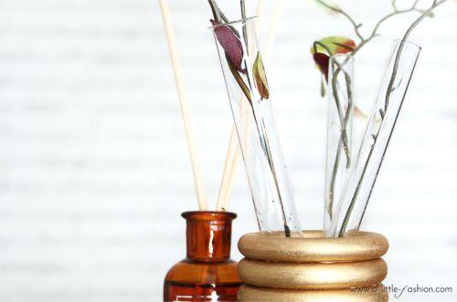 Goldene Reagenzglas-Vase aus Gardinenringen