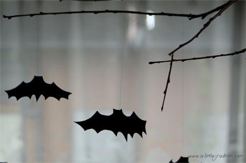 Halloween-Deko: Fledermaus-Mobile