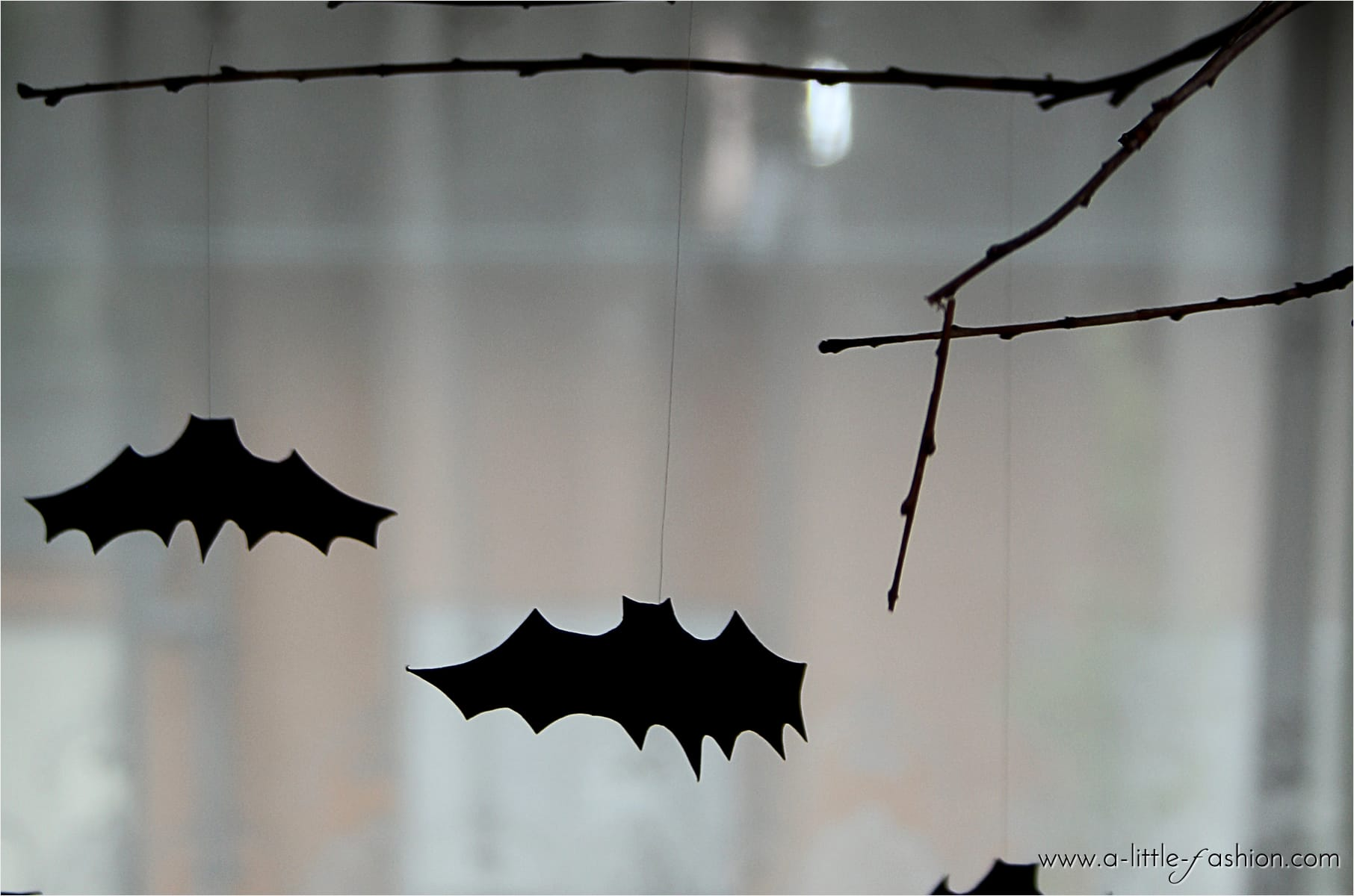 Halloween-Deko: Fledermaus-Mobile