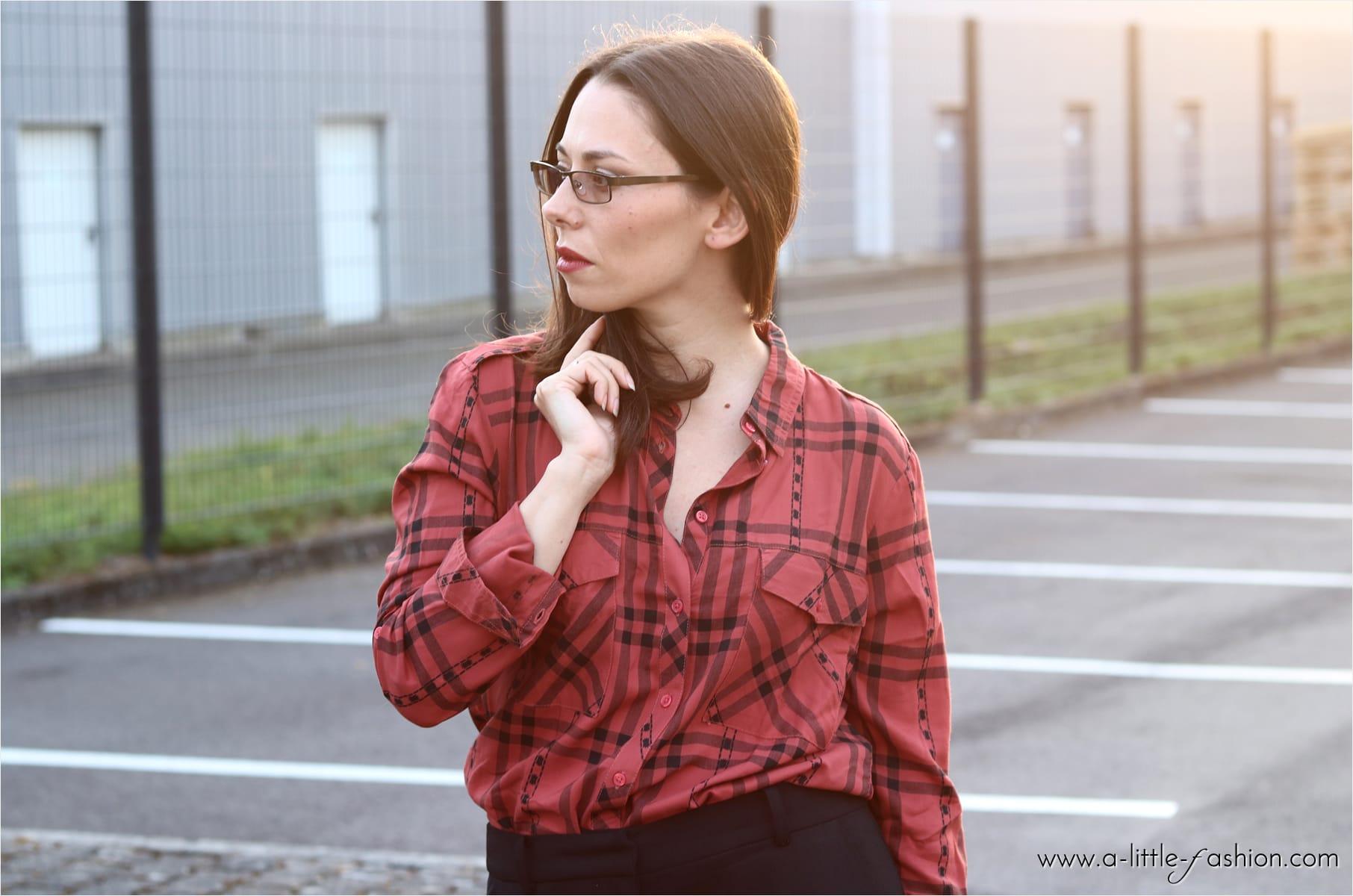 Das Karo-Hemd ist so vielseitig und beliebt. Besonders in knalligen Farben wird das Trend-Piece mit schnell zum stylischen Hingucker.