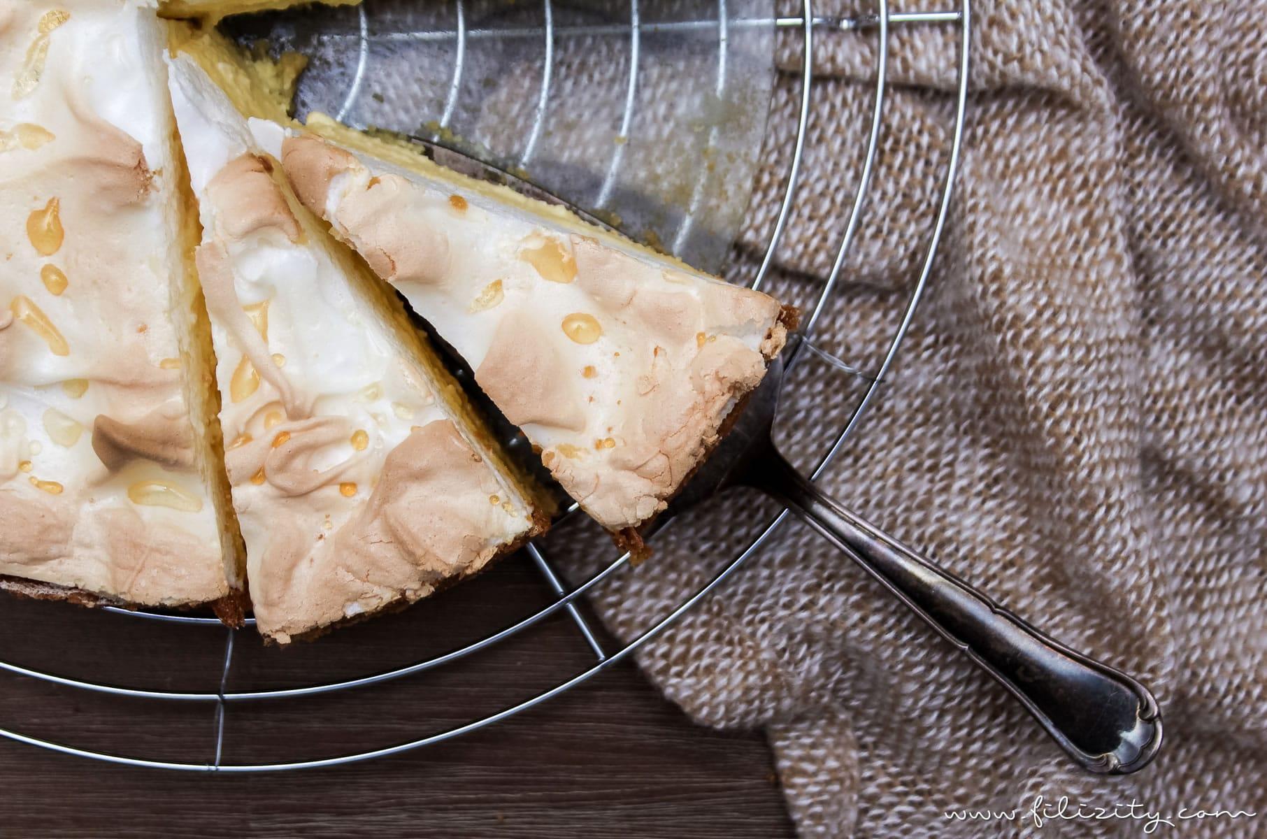 Rezept: Tränchentorte - Käsekuchen mit Baiserhaube | Filizity.com | Food-Blog aus dem Rheinland #cheesecake