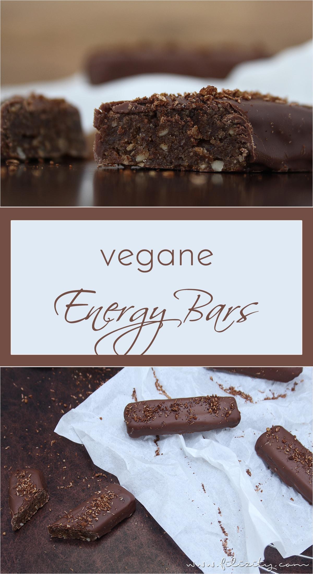 Rezept: Vegane Energy Bars mit Datteln, Zimt und Kokos. Diese Schoko-Riegel sind eine wahre Gaumenfreude und noch dazu schnell und einfach selbst gemacht!