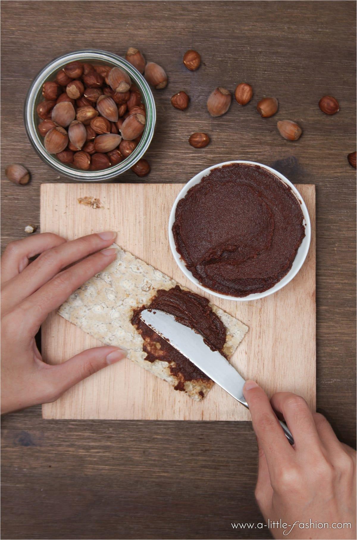 Brotaufstrich selber machen: vegane Nuss-Nougat-Creme