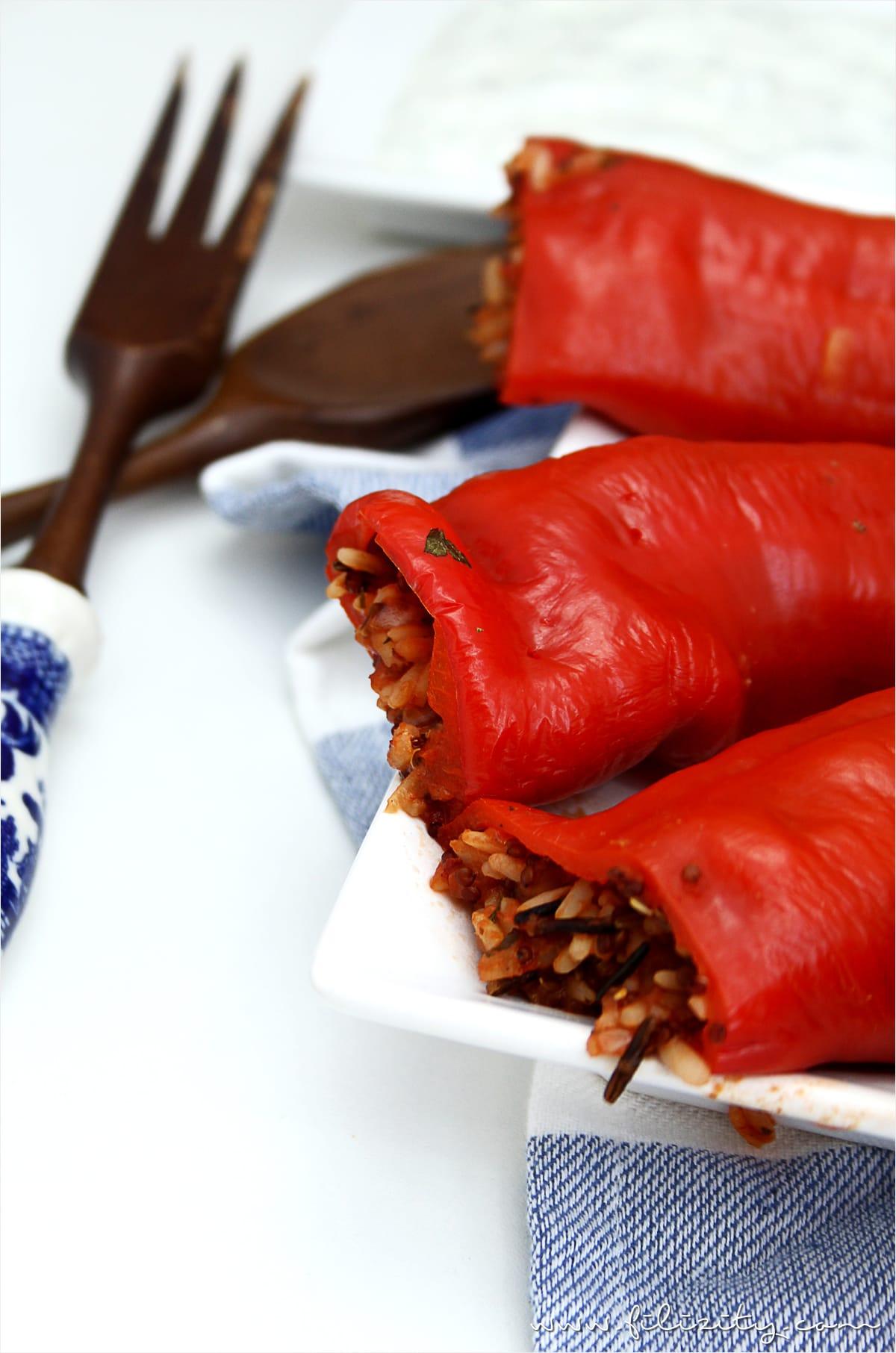 Rezept für vegan Gefüllte Paprika - mediterraner Klassiker neu interpretiert