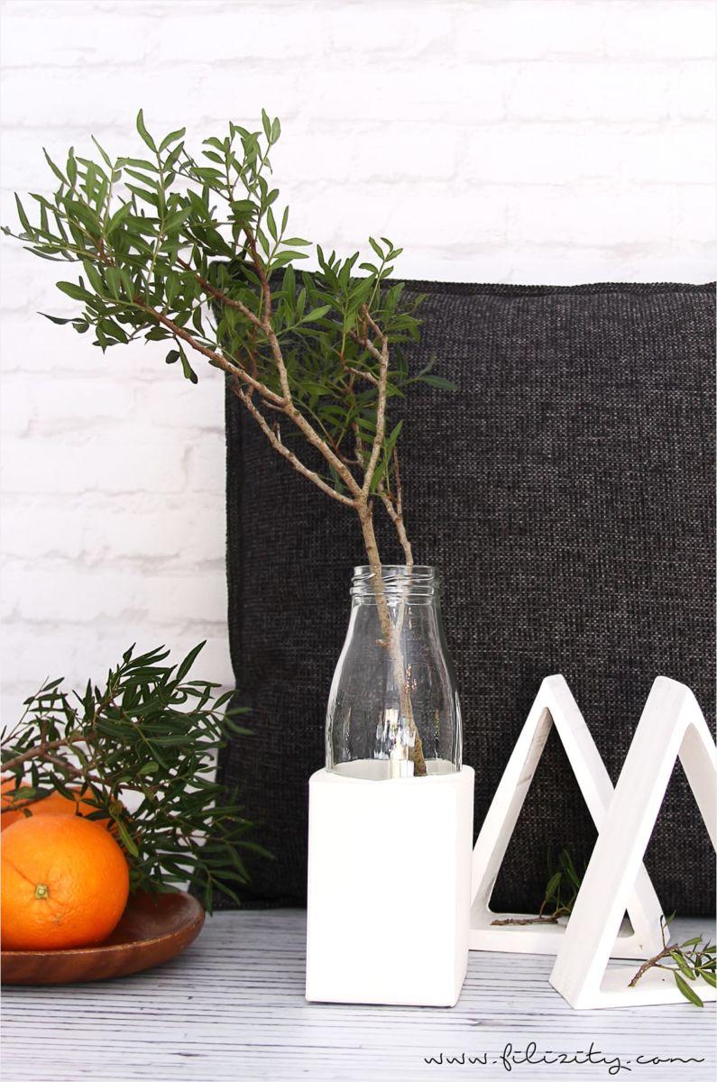 glasvase mit gips sockel sch ne deko muss nicht teuer sein mit dieser einfachen idee. Black Bedroom Furniture Sets. Home Design Ideas