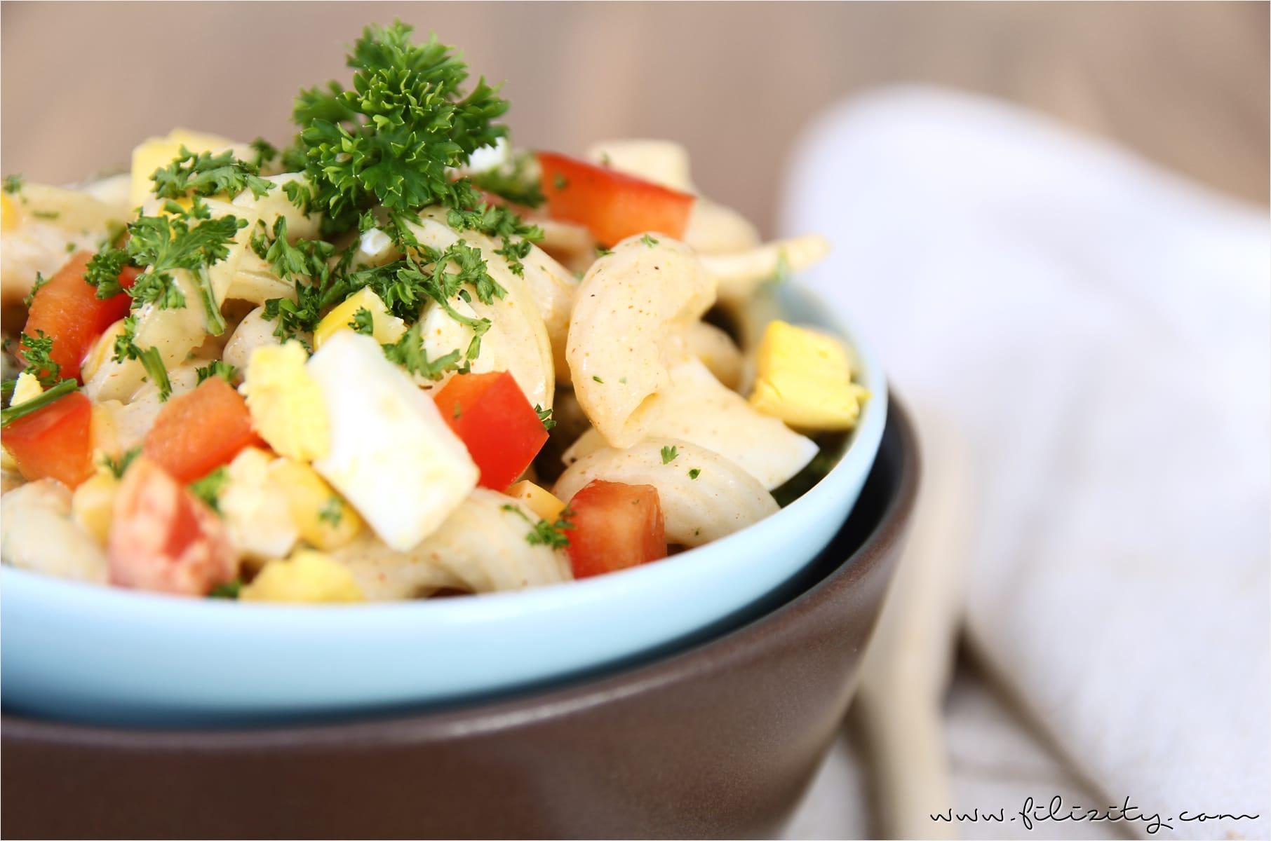 Nudelsalat mit Curry als Partyfood oder Beilage zum Grillen
