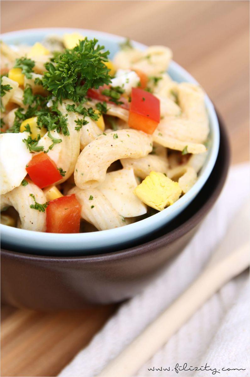 einfaches rezept f r den weltbesten nudelsalat mit feinem curry aroma schnell zubereitet ist. Black Bedroom Furniture Sets. Home Design Ideas