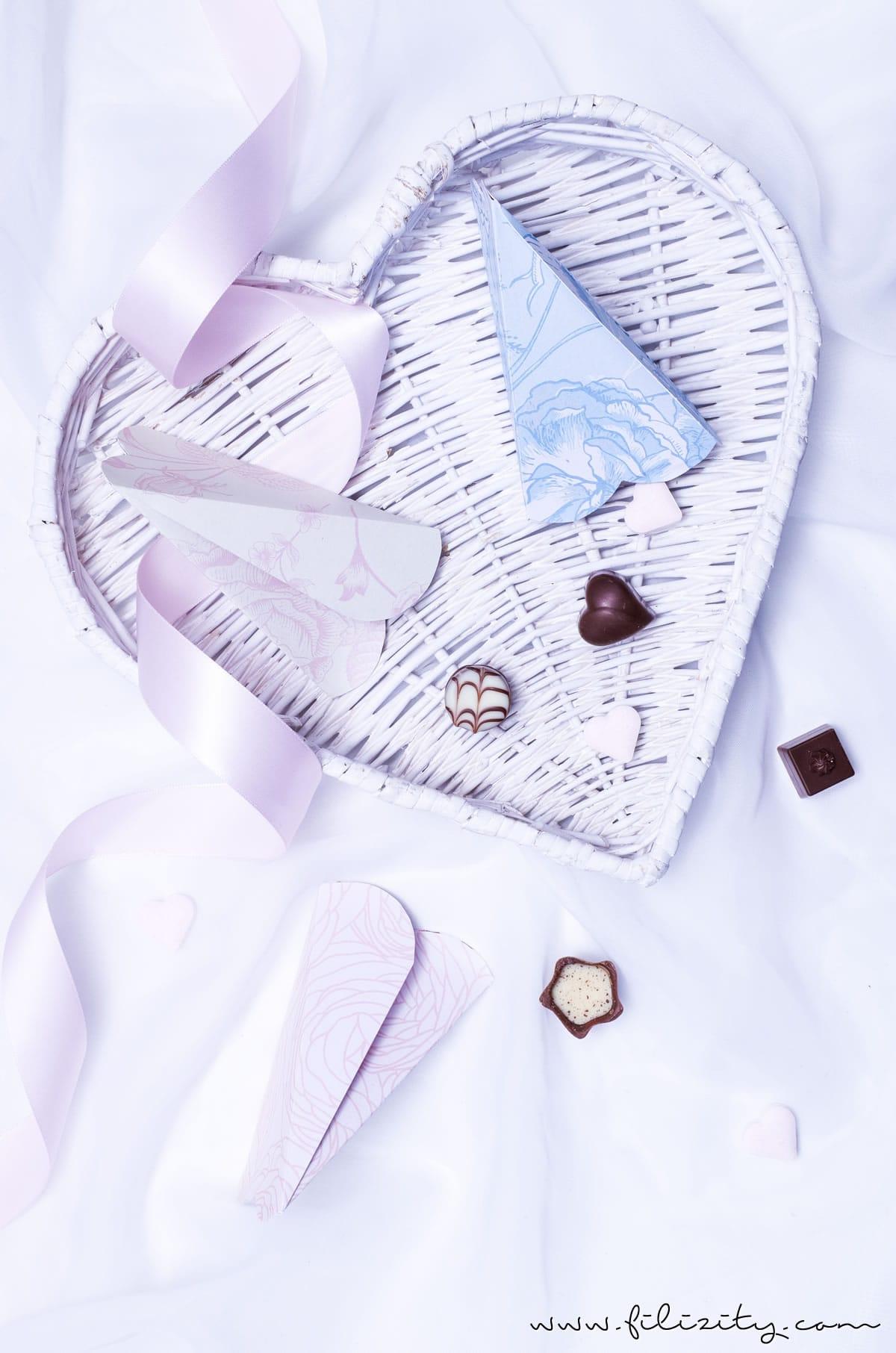 DIY Geschenkverpackung für Valentinstag: 3D Herztüten selber machen   Filizity.com   DIY-Blog aus dem Rheinland #valentinstag #muttertag #geschenkideen